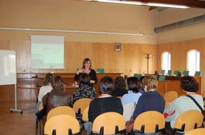 Cicle de tallers per a pares i mares a Ripollet.