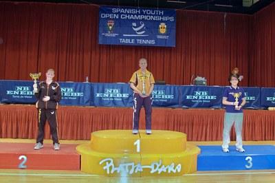 Berta López, del Finques Ripollet, aconsegueix la seva primera medalla amb la selecció espanyola.