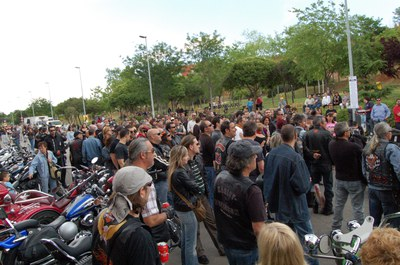 500 motos participen a la 5a Trobada Harley Custom de Ripollet.