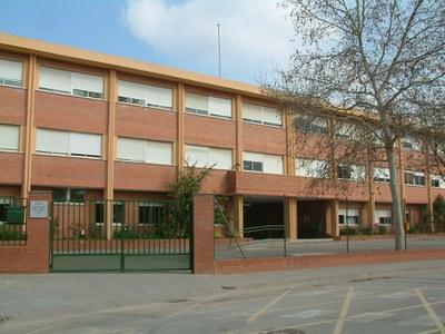 Un miler de nens es matriculen a Ripollet pel curs 2008-2009.