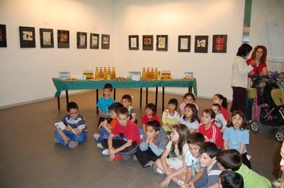 ripollet-cultura-inauguracio-exposicio-taller-art-infantil-centre-cultural-270508 (37).JPG
