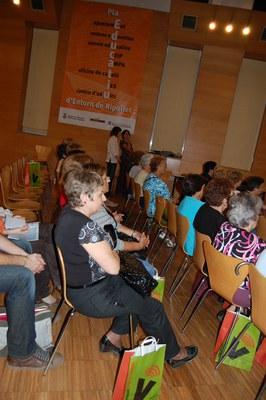 ripollet-edu-voluntaris-161008-14.JPG