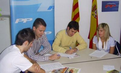 Noves Generacions el Partit Popular denuncien la situació de crisi econòmica dels joves catalans.