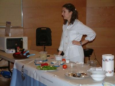 El Centre Cultural s'omple de persones amb ganes de millorar els seus hàbits a l'hora de menjar.