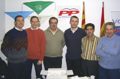 Antonio Mancebo, regidor del PP a Caniles, visita la seu del seu partit a Ripollet.