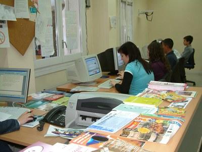 Els joves delegats dels IES de Ripollet participen en una jornada de formació  .