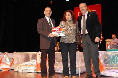 Entregats els 12.000 euros de la Unió de Botiguers de Ripollet.