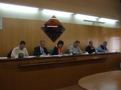 Signatura de l'acord de funcionaris i del conveni laboral del personal al servei de l'Ajuntament.