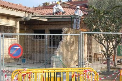 Un taller d'ocupació reforma el CEIP Ginesta.