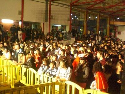 Marxa Jove 2009: èxit de públic al ball per als més joves.