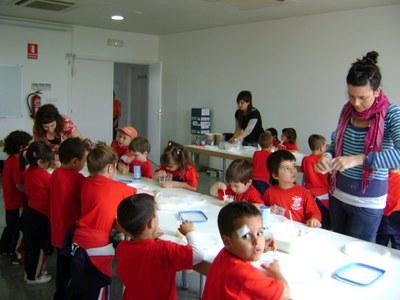 Una escola de Gavà visita el Molí d'en Rata de Ripollet.