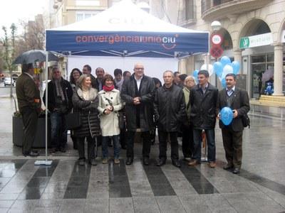Convergència inicia la campanya 'CiU surt al carrer'  .