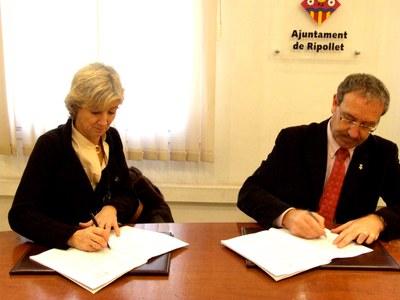 Signat el contracte del Programa municipal d'educació per la salut i prevenció de drogues.