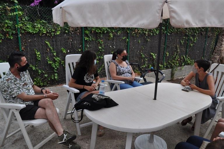 Jenn Díaz, reunida a la seu d'ERC Ripollet amb membres del Comitè de Dones i de Proud Ripollet