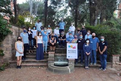Grup de cocreació a la cinquena sessió, el 15 de juny als Jardins de Ca n'Ortadó de Cerdanyola.