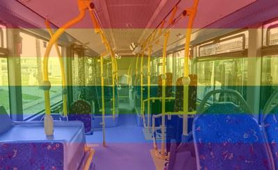 Ripollet treballa en un protocol contra l'LGTBI-fòbia en el transport públic.