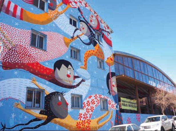Escola Anselm Clavé imatge de la façana