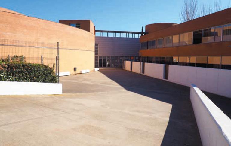 Institut Can Mas imatge de la façana