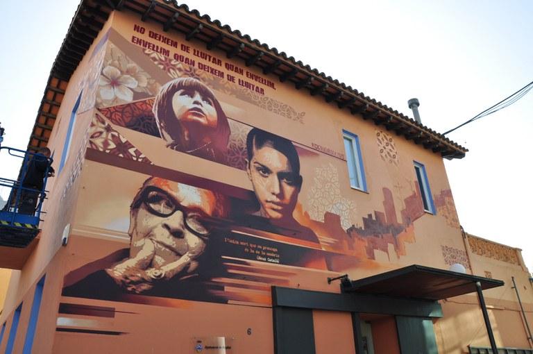 ripollet-jov-grafit-edifici-casal-joves-091115-01.jpg