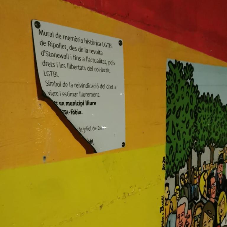 ripollet-soc-lgtbi-vandalisme-150921-1.png